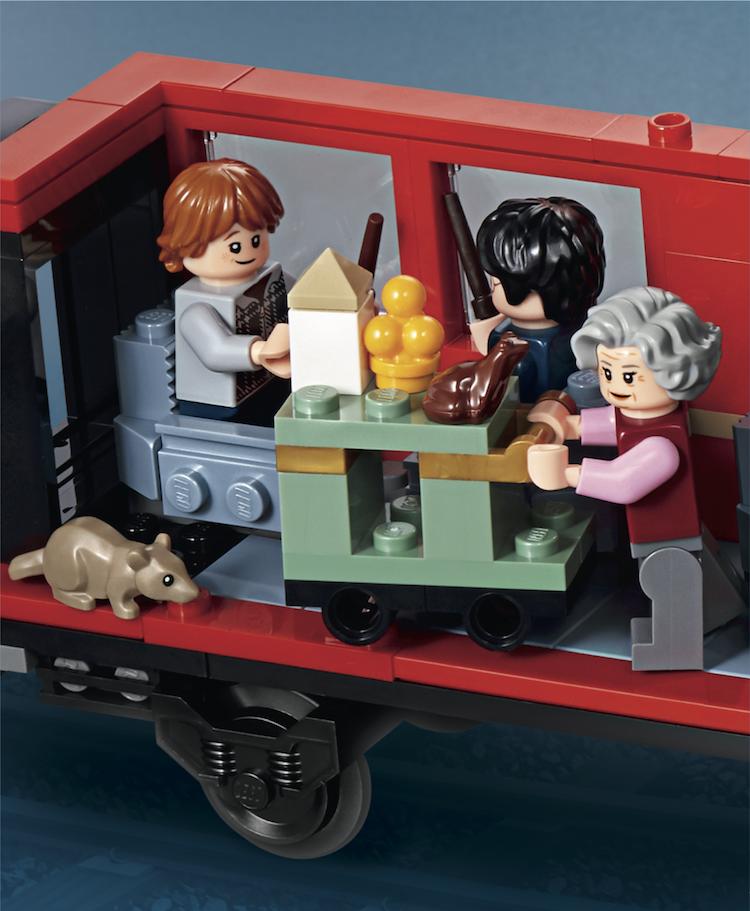 哈利罗恩列车车厢.png